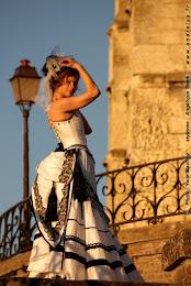 "Robe de mariée à ""faux cul"""