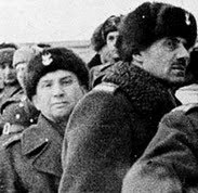 Leopold Okulicki wraz z Władysławem Andersem na nieludzkiej ziemi