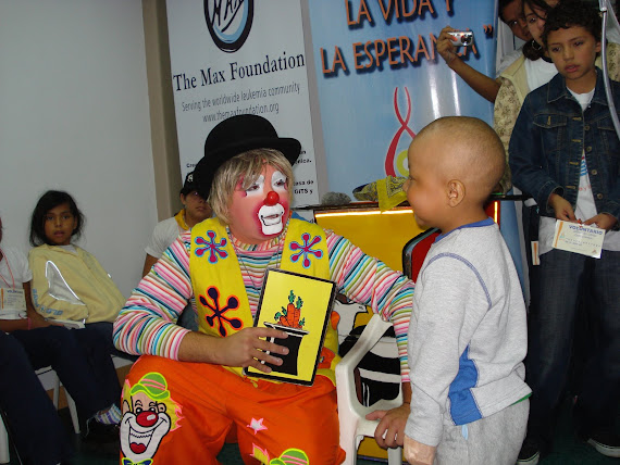 Un regalo de Dios que compartimos con los niños en conmemoración del nacimiento de MAX RIVAROLA