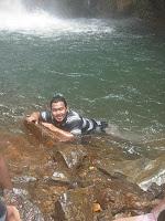 segarnya berenang di air terjun Cigamea