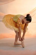 Ana Paula faz Balé Clássico