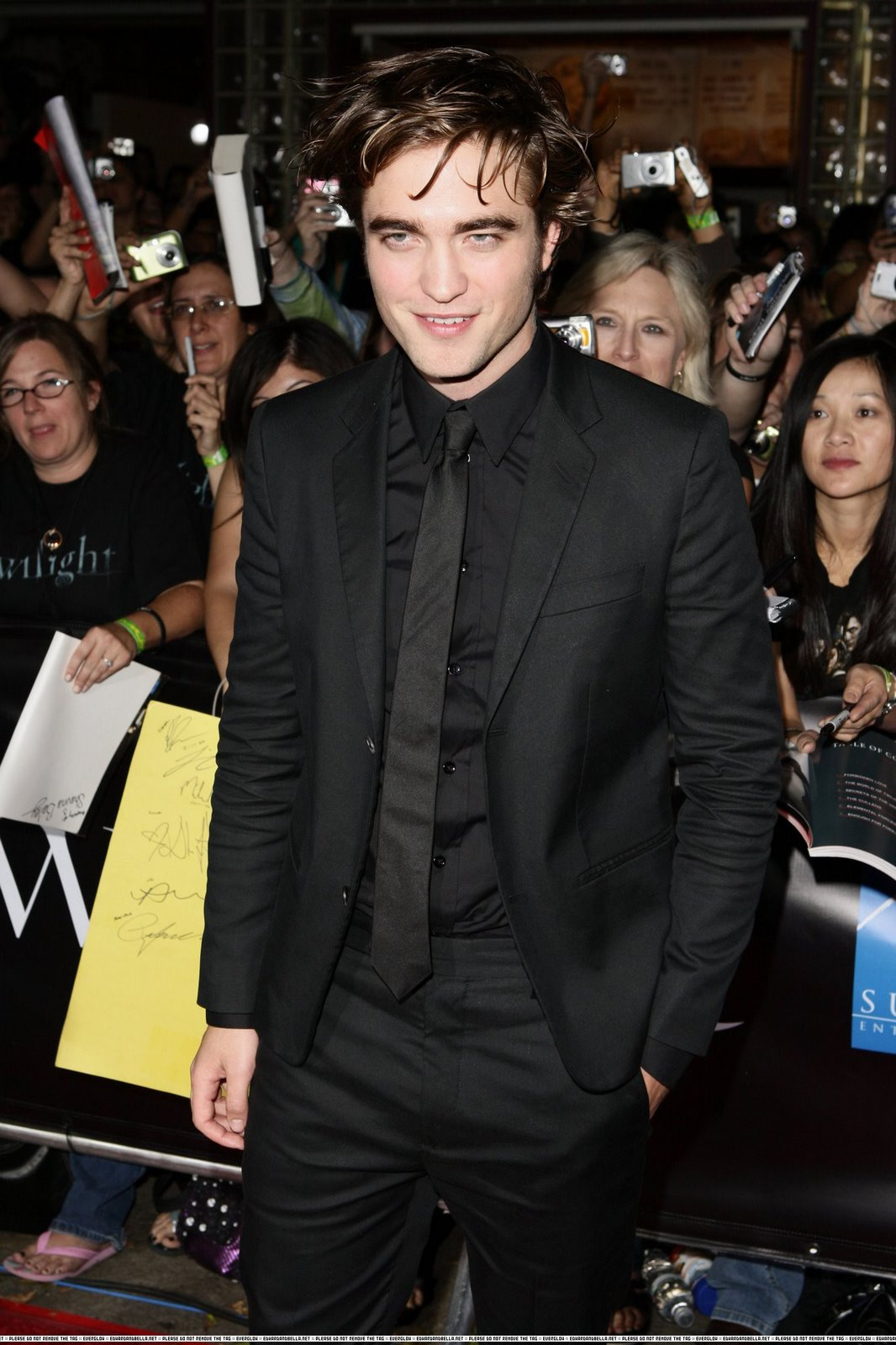 Rob Pattinson`s tight pants