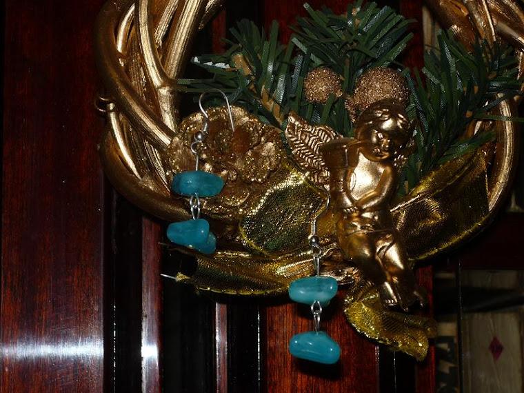 cercei pietre albastre