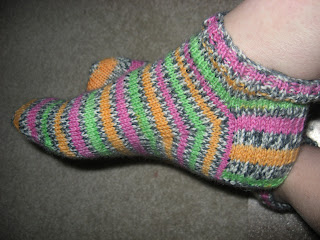 Knitter's Review Forums - Free Patons Kroy socks pattern