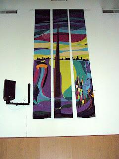 Seinävaate kirkon seinällä: Tulkaa minun tyköni, te työn ja kuormien uuvuttamat...