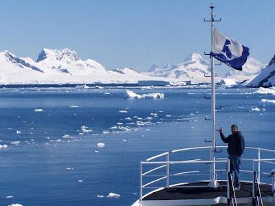 Barco en el polo norte