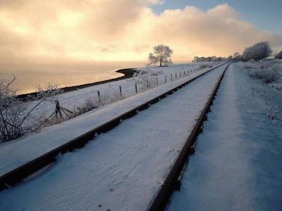 nieve y linea ferroviaria