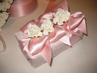 Описание: b цветы из атласных лент своими руками. вышивки крестом схемы чрно белые розы.