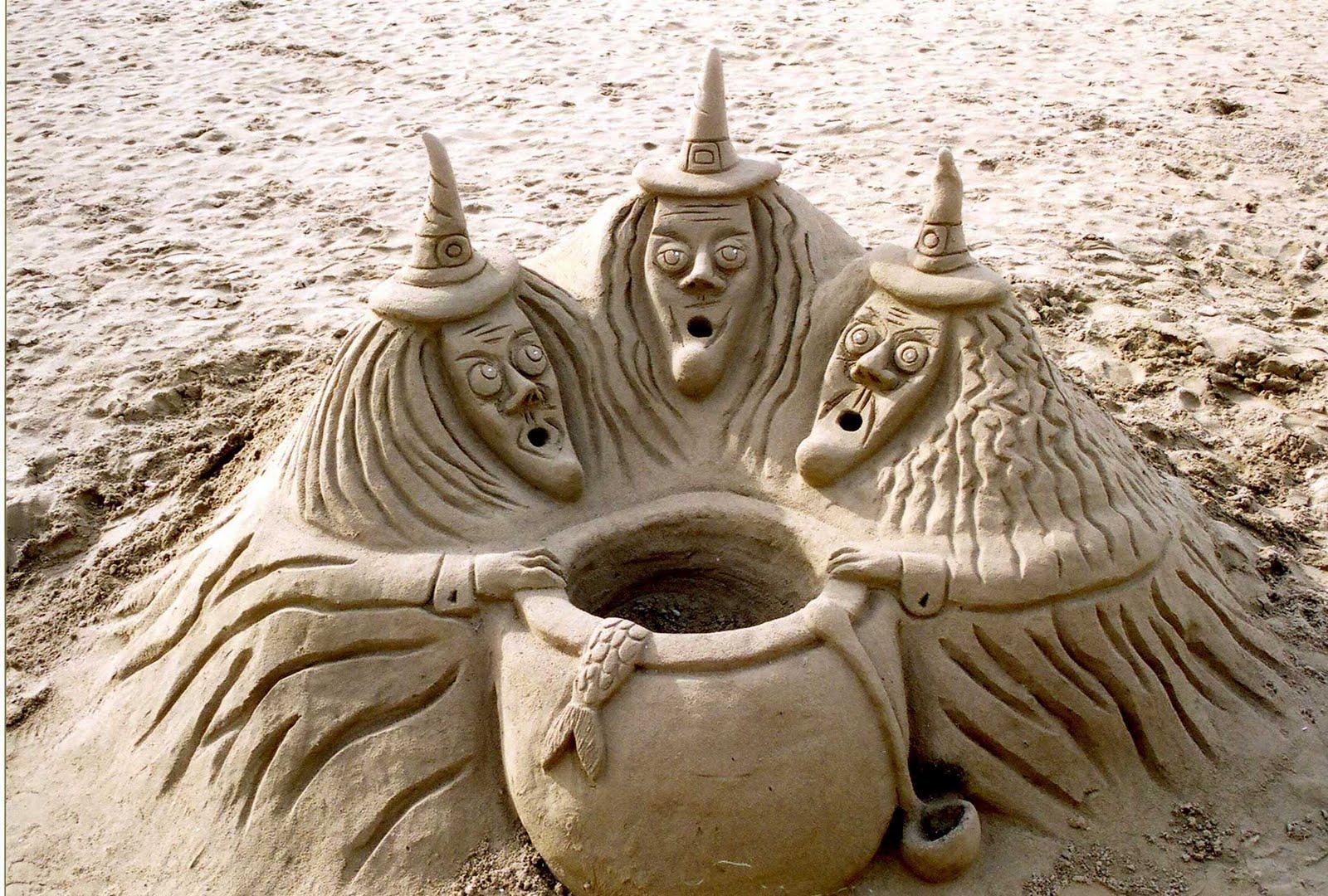figuras en la arena  Sitges05+FigurasArena1