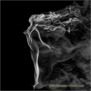 Arte com fumaça de cigarros