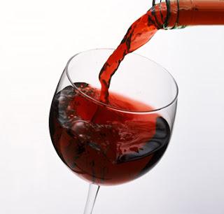 Benefícios do vinho tinto para a pele e para a saúde