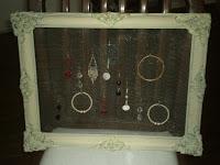 Muestrario de bijou con retazos de tela metalica (para vidrieras)