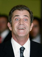 Smiling and slightly insane Mel Gibson
