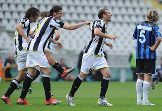 Los tantos de Zanetti y Iaquinta no fueron suficiente