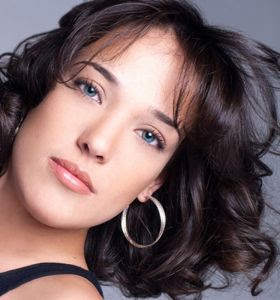 Adriana Birolli aceita fazer fotos de biquíni