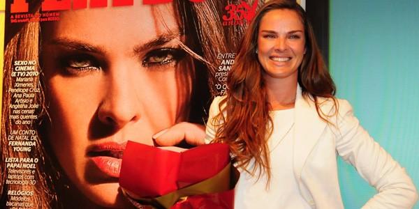 Birkheuer E A Garota Da Playboy Neste Mes De Dezembro Toda Linda Em Um