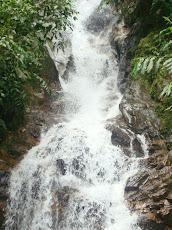 """Varias cascadas conocidas como """"Las tres gracias"""" y todo tipo de serpenteantes senderos."""