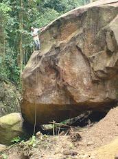 """""""La roca de la cueva del alacrán"""""""