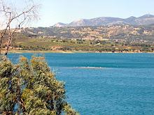 """Η Λίμνη Μαραθώνα. Τα μολυσμένα """"στραγγίσματα"""" θα καταλήγουν εδώ από το χώρο του ΧΥΤΑ,"""
