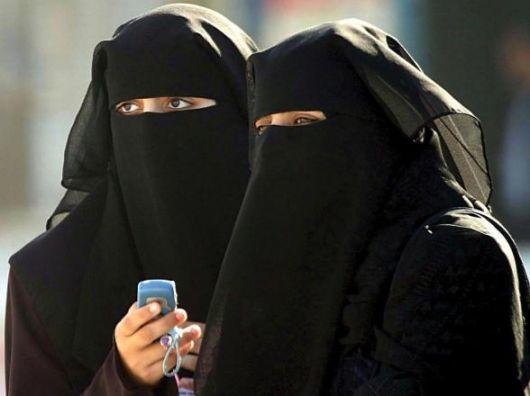 http://4.bp.blogspot.com/_1NCk6tiCG-M/S9VZDzgNxqI/AAAAAAAAADQ/aYdklYHTEnU/s1600/burka.jpg