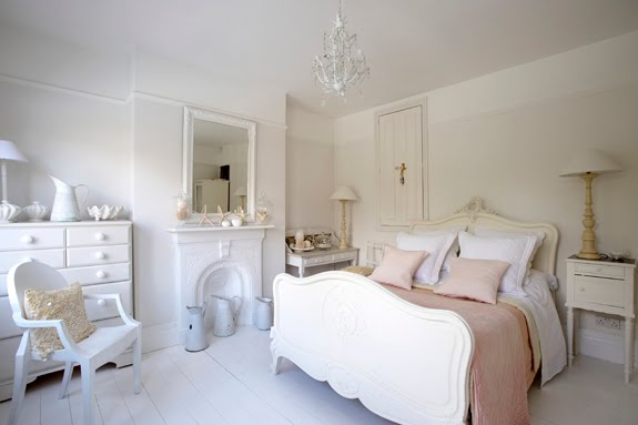 I Love Masculine Touches In Bedrooms Or More Modern, Eclectic Spaces, But  Thereu0027s A Small Part Of Me That Wants To Indulge In Super Feminine Details,  ...