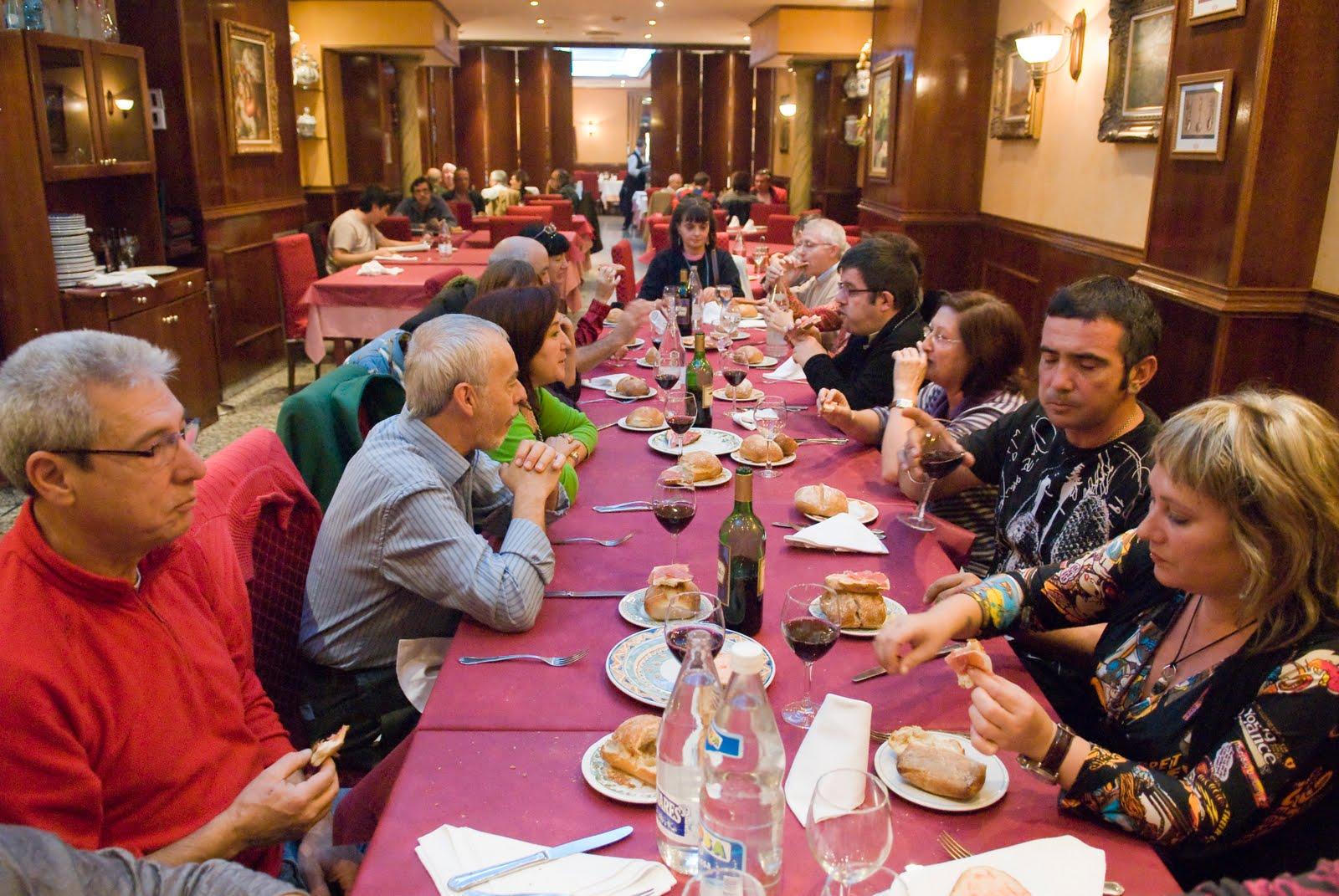 Tertulia albada comer entre amigos casa monta es 28 10 10 - Casa montanes zaragoza ...