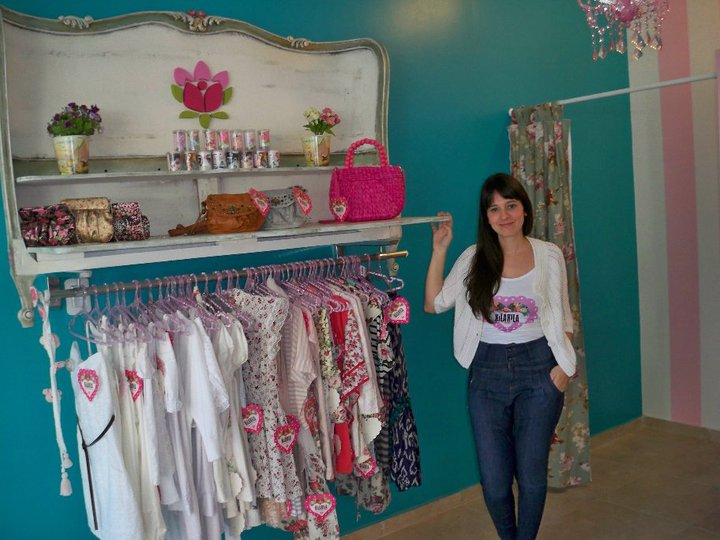 Bettina caracoch ideas locales de ropa colores for Ideas para decorar un local de ropa interior