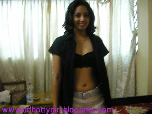 Ayesha Takia Nude Bollywood Actress