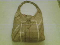 Bolso hecho en yute con agarradera fuerte