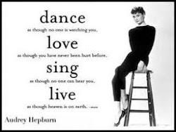 baila, ama, canta, vive