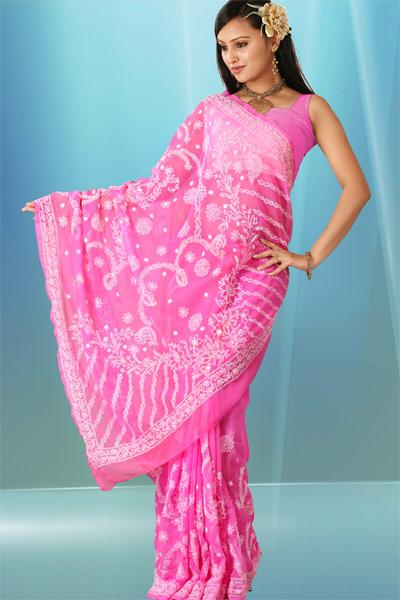 http://4.bp.blogspot.com/_1RspTHmDtkw/THF4Cv6eVGI/AAAAAAAAAqo/otKGfBycq4Q/s1600/chikan-indian-fashion-sari.jpg