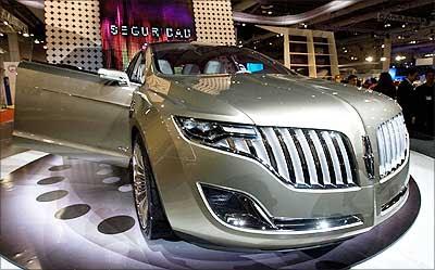 http://4.bp.blogspot.com/_1S5OuDBROEI/S-_YRwdfN-I/AAAAAAAAAH8/1UZ18ASVqcg/s400/Lincoln+MKT+concept+car.jpg