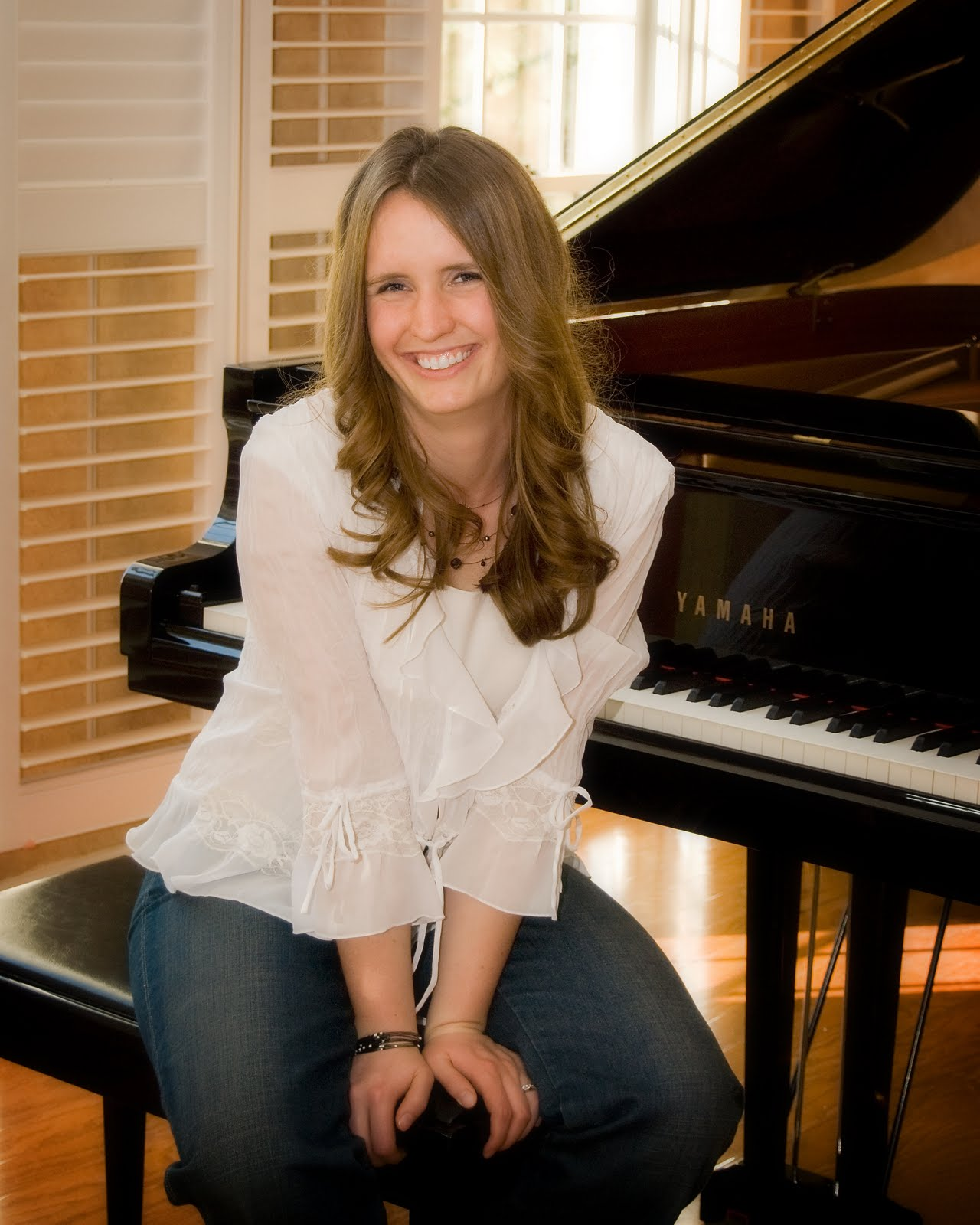About Me Services And Resume Heather Bosshardt Pianist