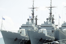 3 fragatas misileras en muelle