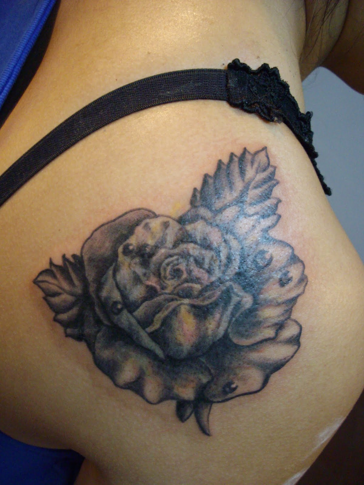 tattoos and body piercing essay Tattoos and piercings are popular forms of body art that can be associated with serious health risks read this before getting new ink or piercings.