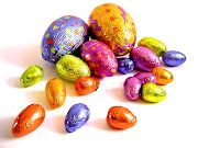¡Que a todos les regalen muchos huevos de pascuas para empacharse con . coloured easter eggs