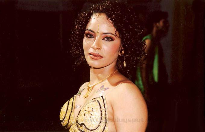 Download visha nagam movie spicy stills 1