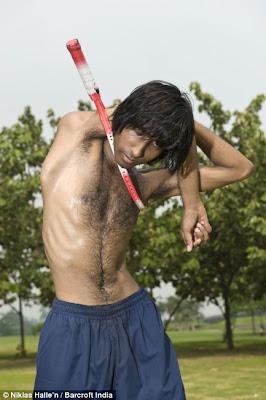 มนุษย์ยาง ลูฟี่ ตัวจริงอยู่ อินเดีย ( Rubber man )