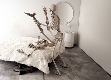 [ภาพ: Skeleton-on-Sex.jpg]