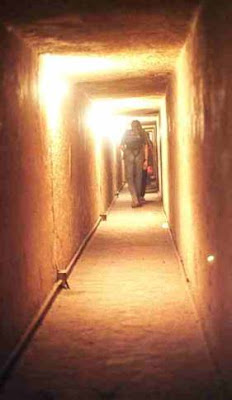 อุโมงค์ ใน พีระมิด แห่ง กิซ่า