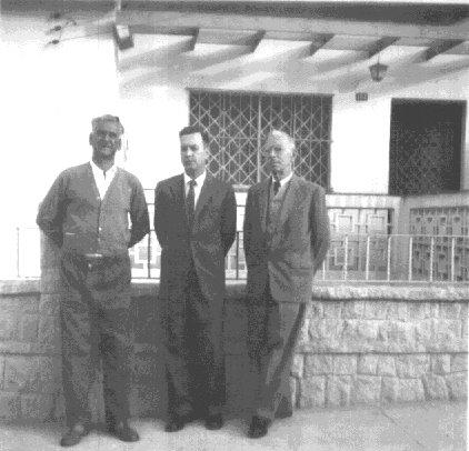À esquerda : Joaquim de Paula Cordeiro , Washington Porto Sandoval e Joaquim Moreira Sandoval