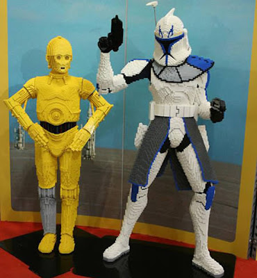 C3PO and a Clone Wars Trooper in LEGO