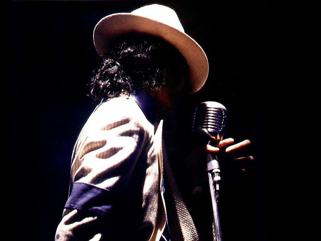 http://4.bp.blogspot.com/_1aEiooP807w/SwzLzsHzRtI/AAAAAAAAAVY/3pL_qNiBupg/s1600/Michael_Jackson_Live%21.jpg