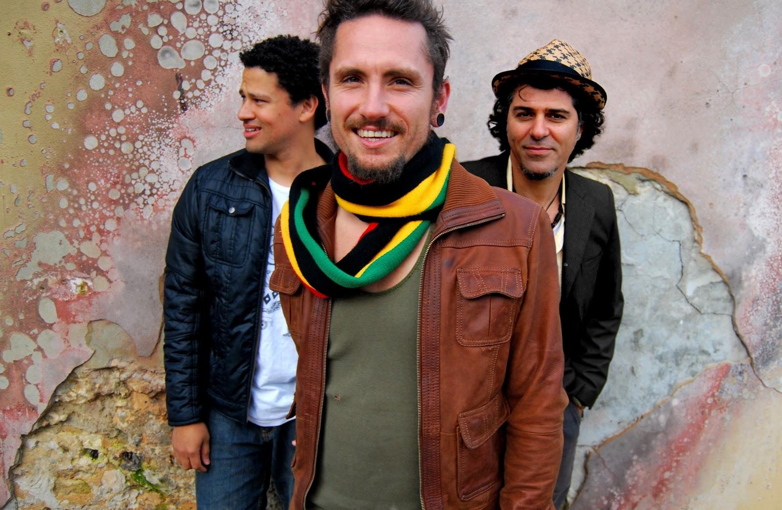 http://4.bp.blogspot.com/_1bsEiO1ILlM/TU4ngJaPN_I/AAAAAAAAAA4/RXDcyia0a0I/s1600/john-butler-trio-one-way-road.jpg