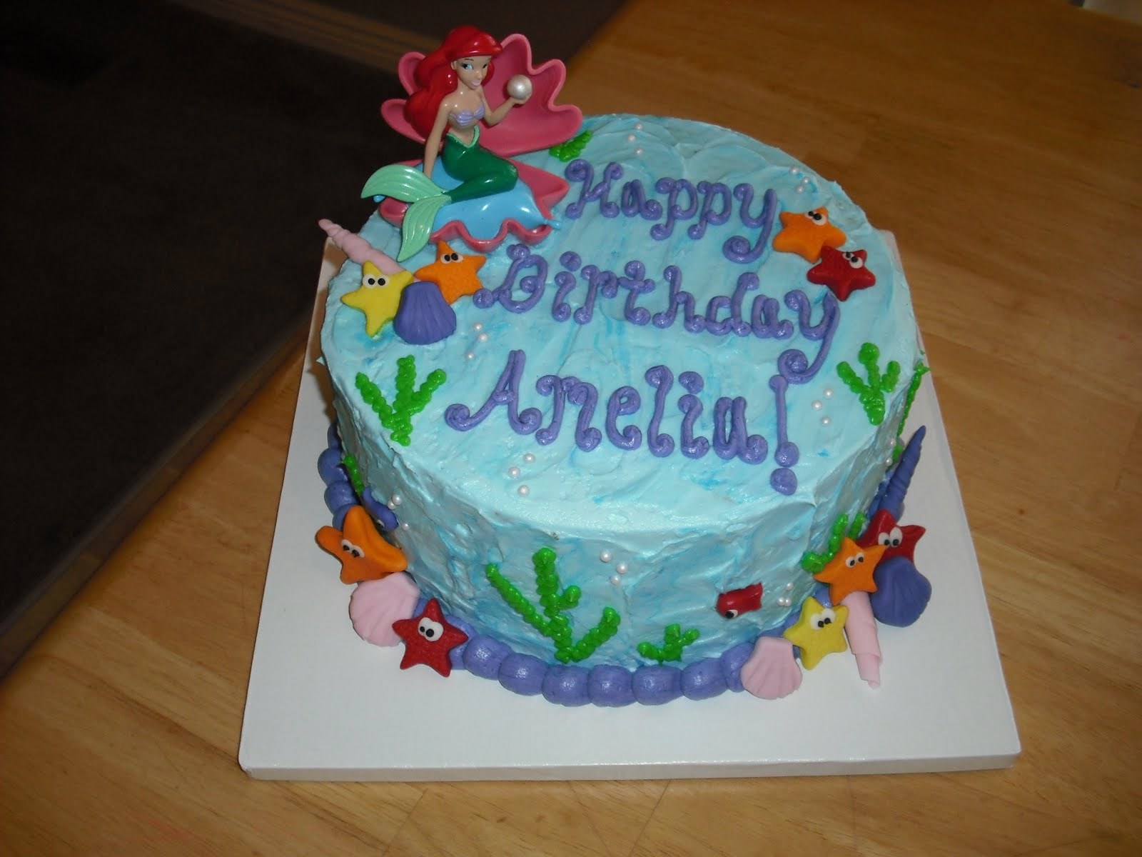 Sprinklebelle little mermaid cake for Ariel cake decoration