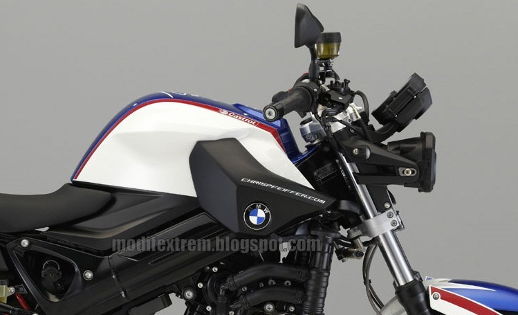 (2010) NEW BMW F800R Chris Pfeiffer