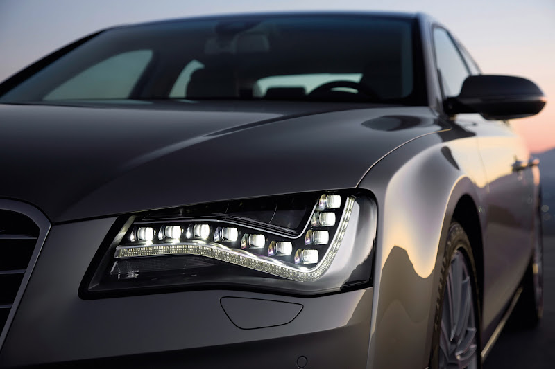Audi A8 Hybrid head lamp