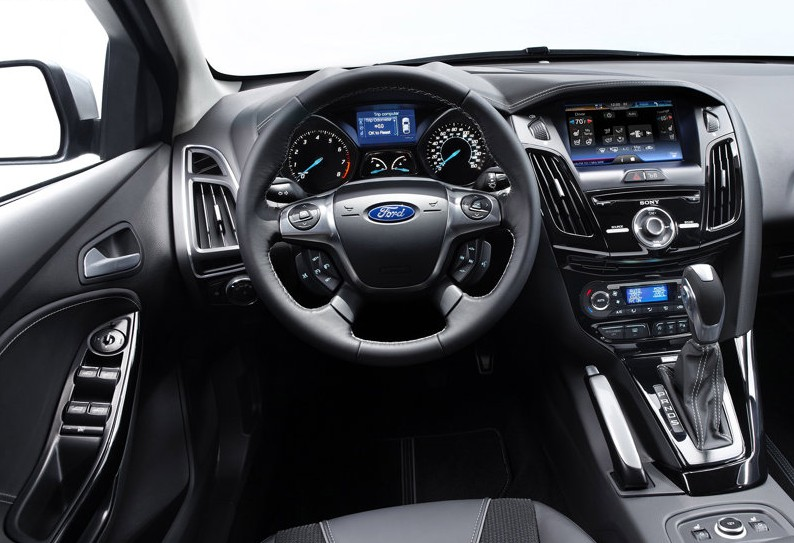 2011 Ford Focus interior