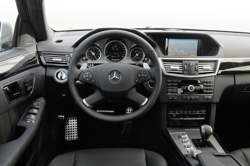 Mercedes-Benz E63 AMG ( 2010 )inetior