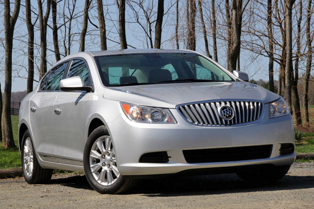 buick lacrosse cx 2011 gets 4 cylinder new car used. Black Bedroom Furniture Sets. Home Design Ideas
